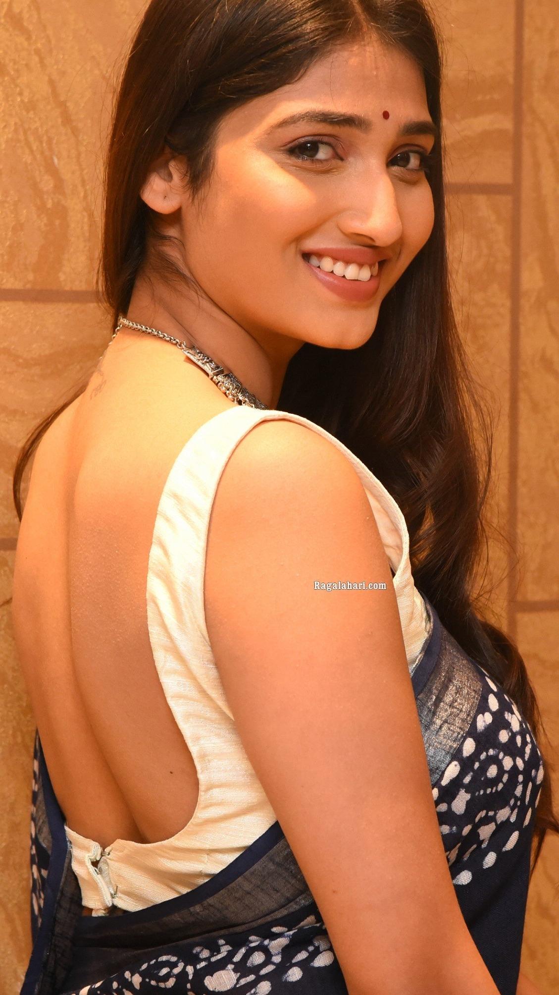 Priya Vadlamani Bare Back Video
