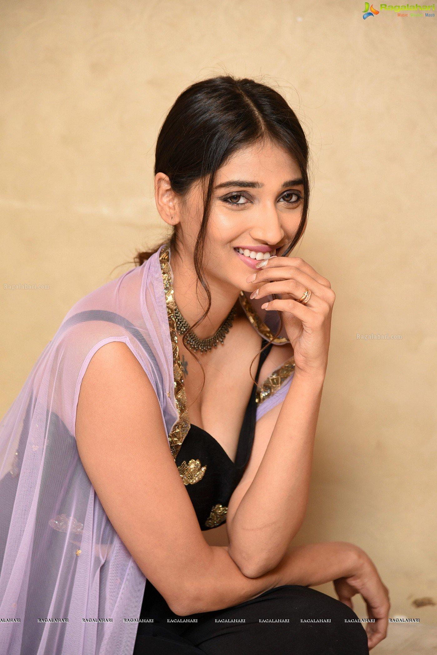 Priya Vadlamani Cleavage