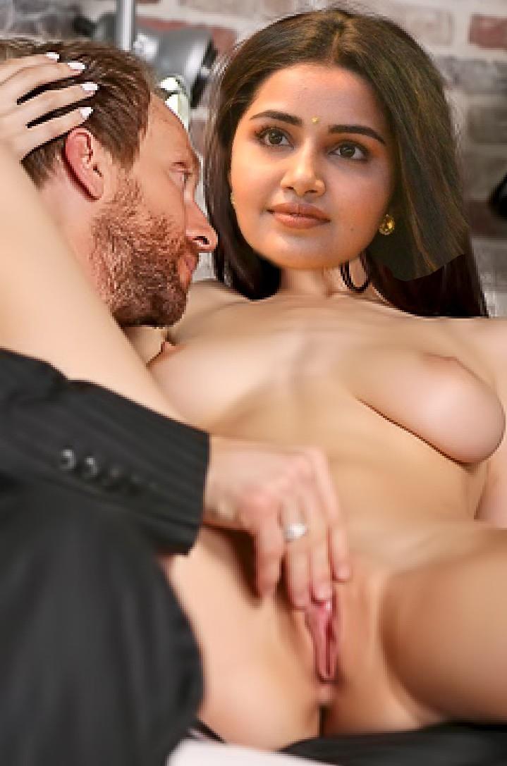 Aarthi Puri actress hot photos