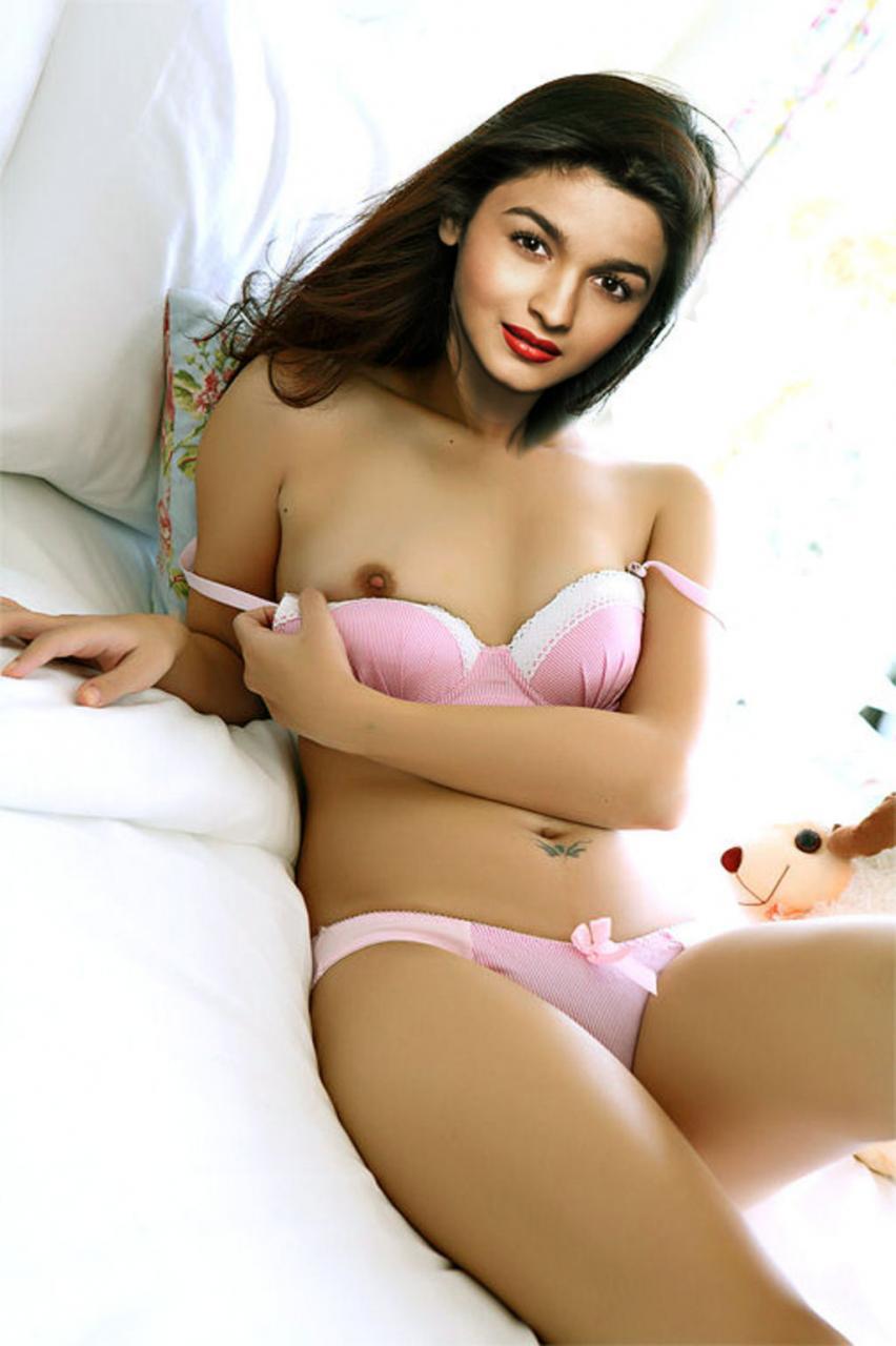 Alia Bhatt Nude Boobs and Pussy fake
