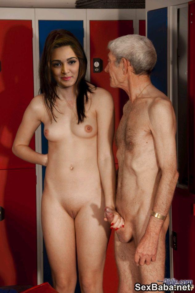 Kiara Advani Nude Posing her Boobs n Fucked Fake