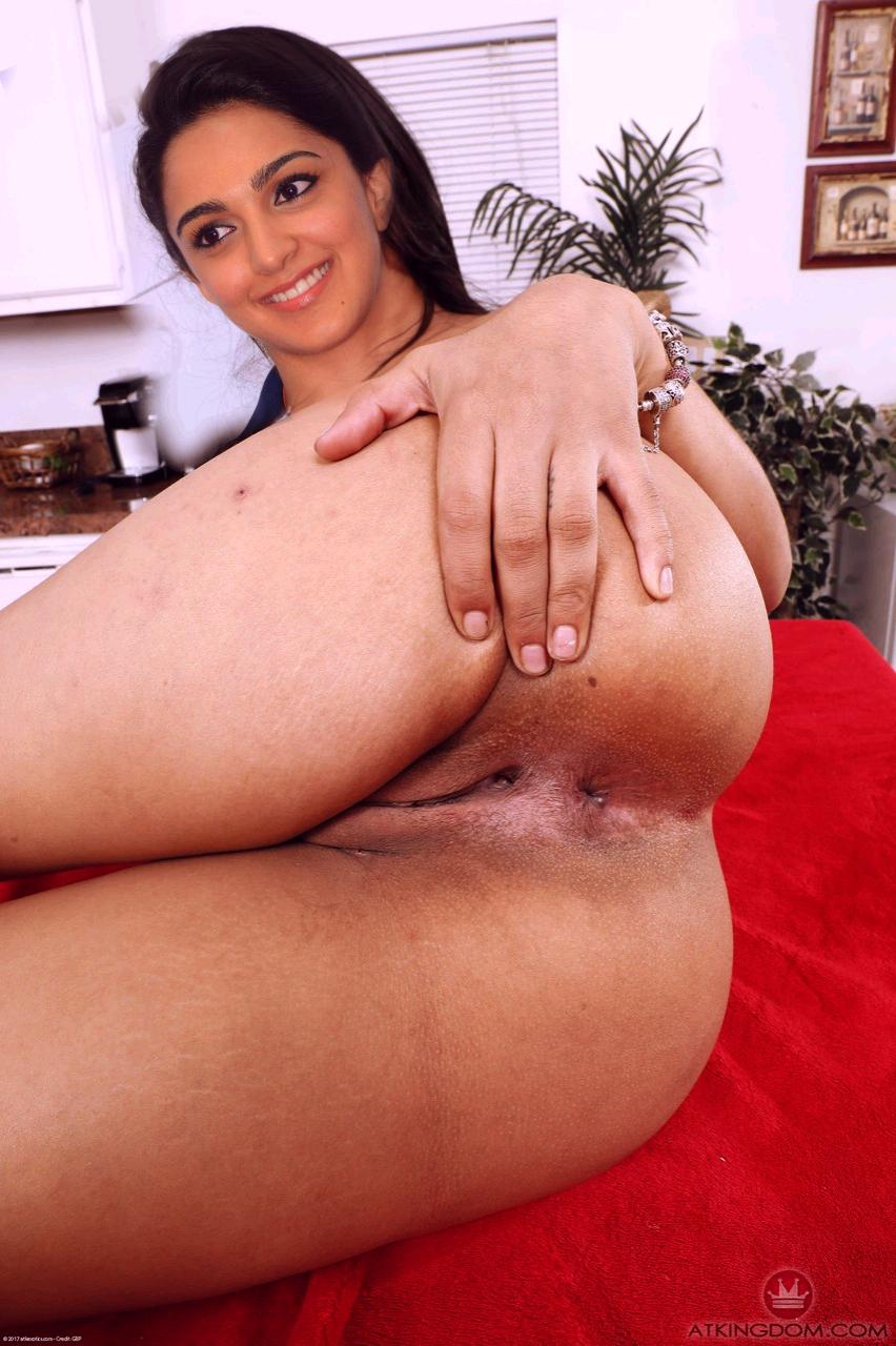 Kiara Advani Two cock fucking pussy photo