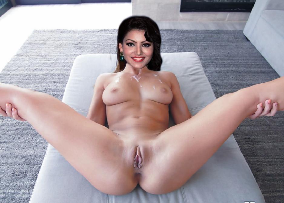 kiara kalwar braless showing boobs and nipples